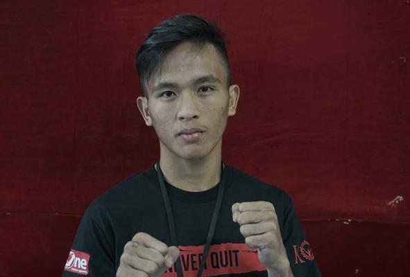 Novan Kaunang Raih Sabuk Atomweight One Pride