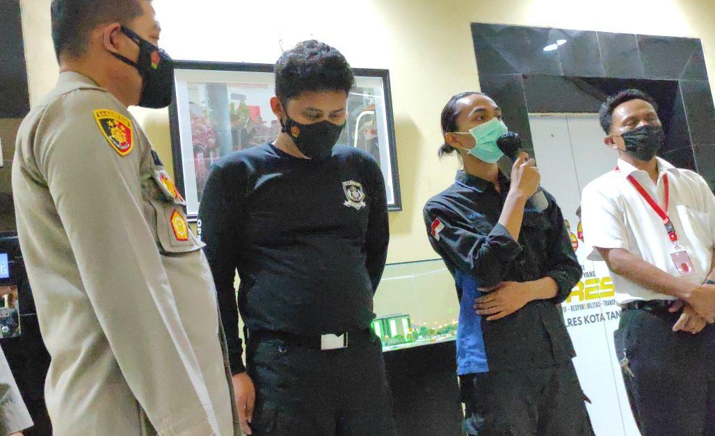 https://perontokbandartogel.com/wp-content/uploads/2021/10/bem-tangerang-raya-kecam-aksi-polisi-banting-demonstran-mahasiswa.jpg
